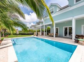 17B ROYAL PALM CAY,Cable Beach