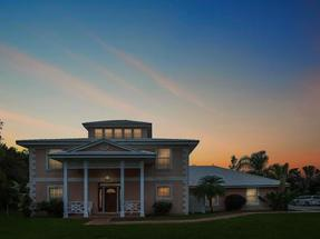 WARM & INVITING 4 BR HOME,Fortune Cay