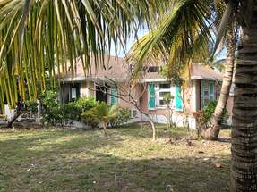 SEASIDE COTTAGE,Green Turtle Cay