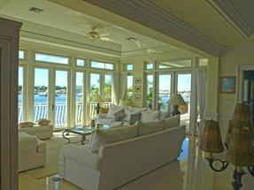 PORT MANOR,Paradise Island