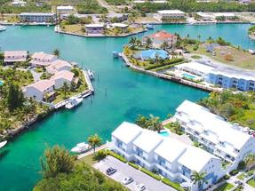 101 VISTA CONDOMINIUMS,Bahama Reef Yacht & Country Club
