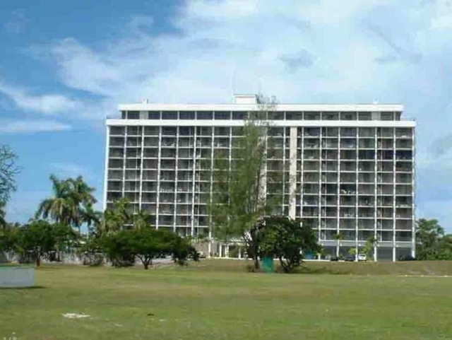 Lucayan TOWERS NORTH,Greening Glade