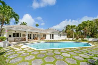 CHRISTIE TERRACE HOME,Lyford Cay