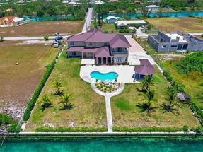 WATERFRONT VILLA,Bahamia