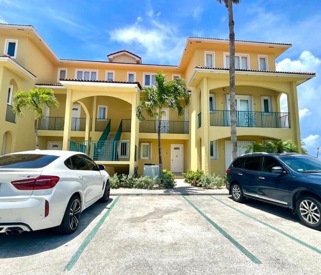 PORT OF CALL CONDOMINIUMS,Bahama Terrace