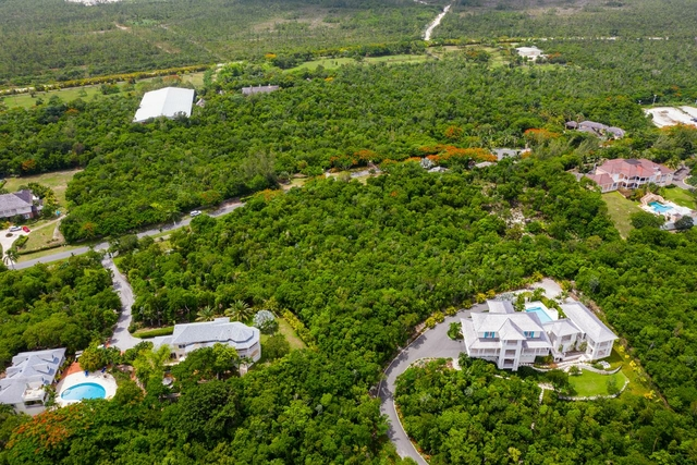 HIBISCUS DRIVE,Lyford Cay