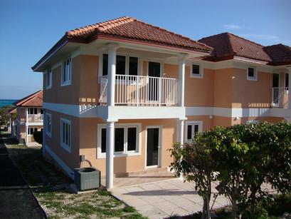 Ocean West townhouse - Mosko Realty - The Bahamas
