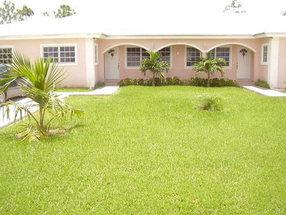 41 Ludford Road Lincoln Green Lucaya, Grand Bahama