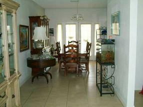 - - Lucaya, Grand Bahama