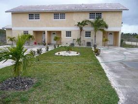 24 Lancaster Place, Apt. No. 3 Lucaya, Grand Bahama