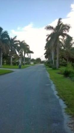 7 Gunport Blvd Lucaya, Grand Bahama