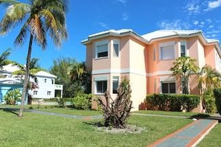 102 Blue Marina Condominiums Freeport, Bahamas