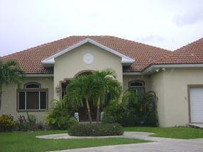 13 Santa Maria Ave South Bahamia, Grand Bahama