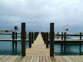 - Blue Marlin Cove Bootle Bay, West End/Grand Bah